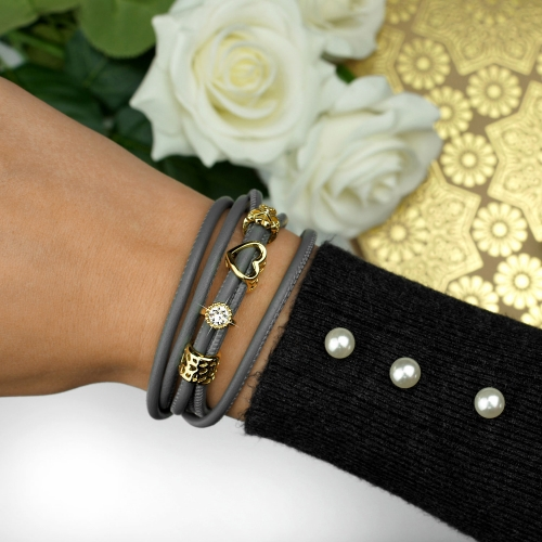 Armband Leder Grau mit Gold Charms